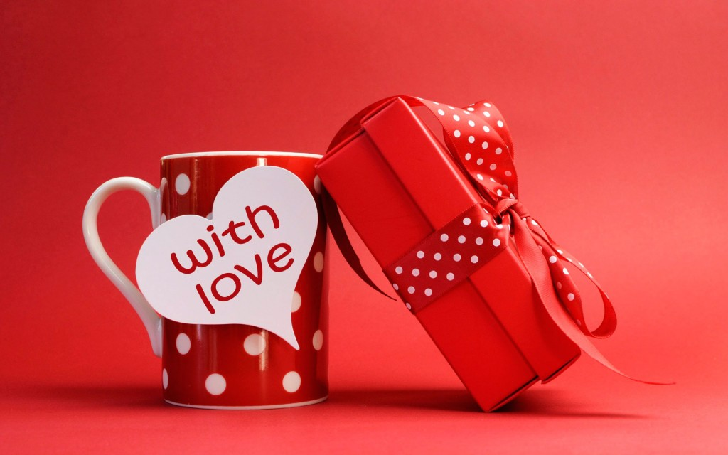 _______14__a_cup_with_a_gift_on_valentines_day_february_14_20150417_1486726713
